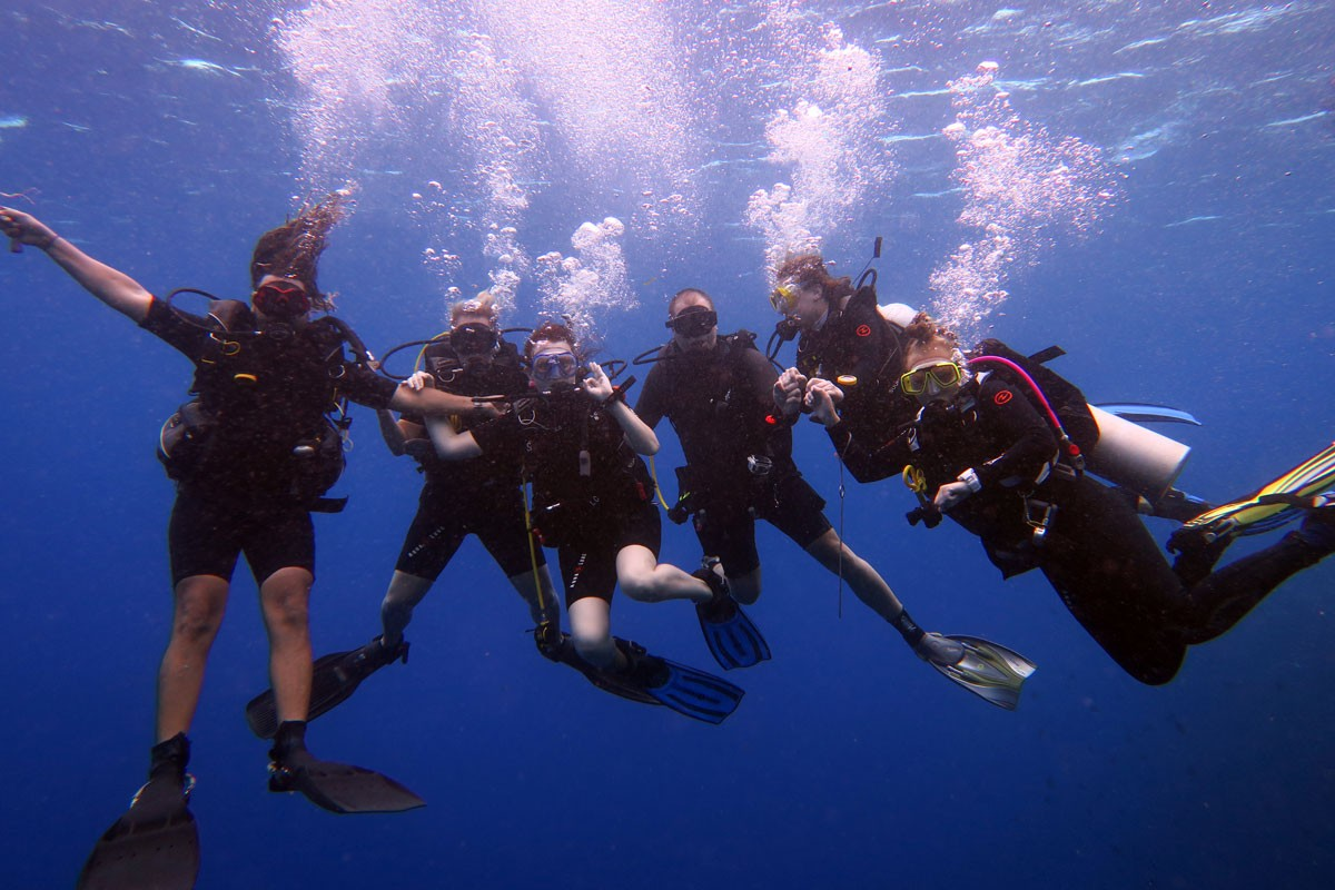 Diving with friends is lot of fun